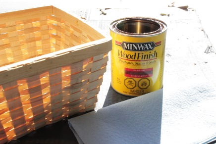 Stain basket desired colour. I chose red oak. You can also choose a basket that already has a finish. Up to you.